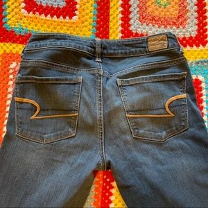 America Eagle SuperStretchSkinny Long size 6 Jeans